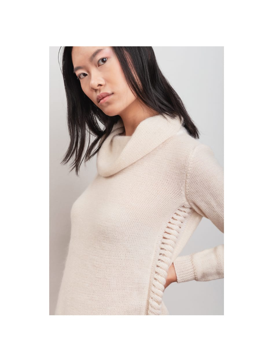 FW 20 - Capture the Fog - handmade knitwear in wool and mohair fabric ALLIUM